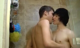 Twinks suck and fuck in the shower